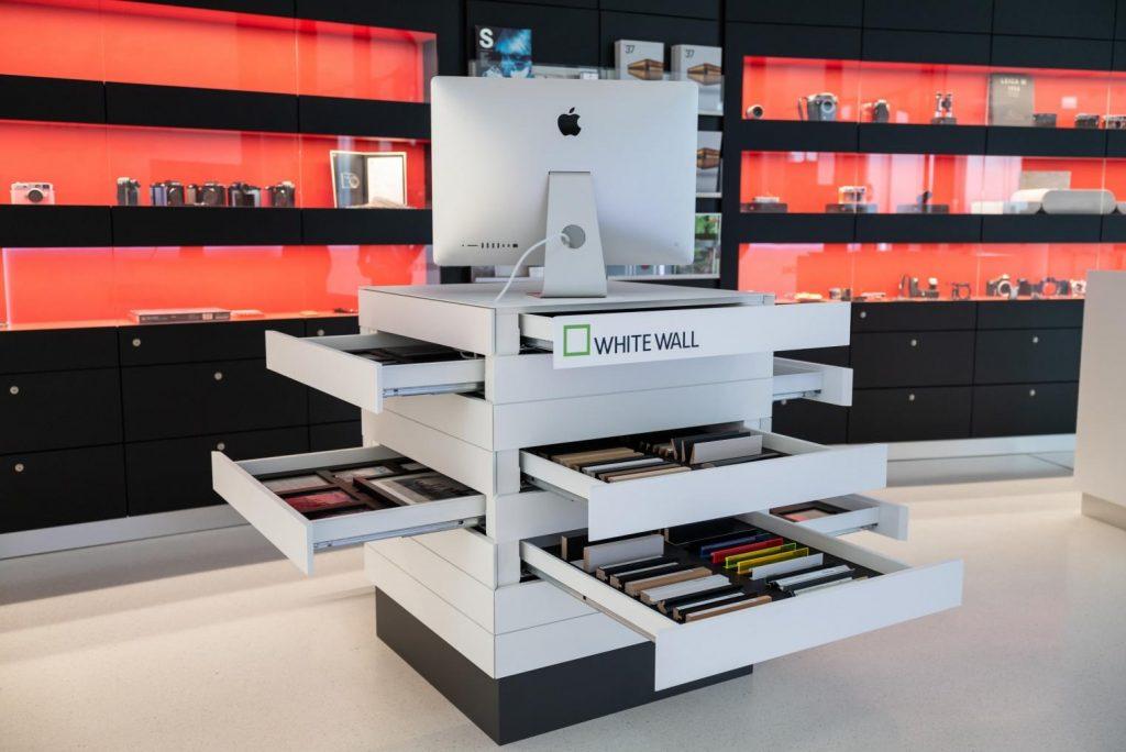WhiteWall Cube x Leica Store © Leica